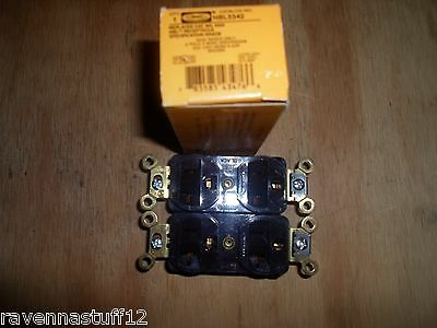 Hubbell Hbl5342 Duplex Receptacle 20 Amp 125V Brown (New) Lot Of 2