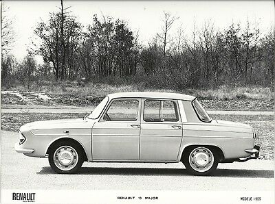 Renault 10 Major Modele 1966 Period Press Photograph.