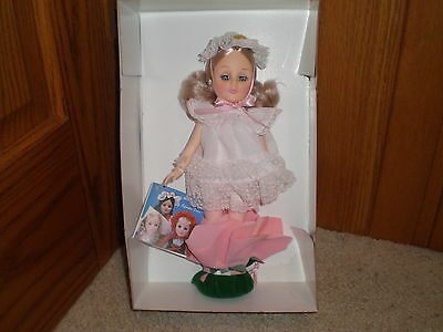 "Effanbee ""Thumbelina"" Story Book  Doll 1163  in orig box NRFB 1984"