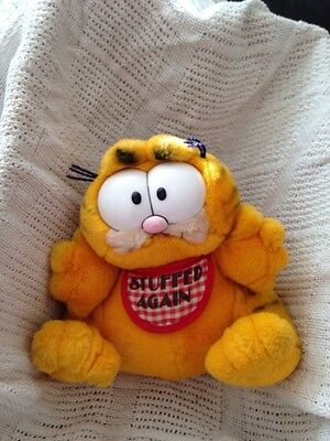Garfield Holding Camera - Canadian Tourist By Dakin From 1980's