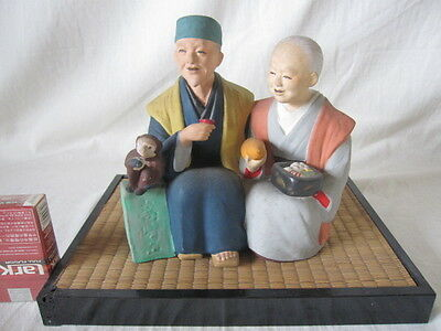 VINTAGE JAPANESE HAKATA OLD couple Figurine w/monkey gourd sake drinking TATAMI