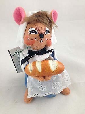 "(#2553)  ANNALEE 6"" THANKSGIVING PILRIM GIRL MOUSE - NEW with TAG - 2011"