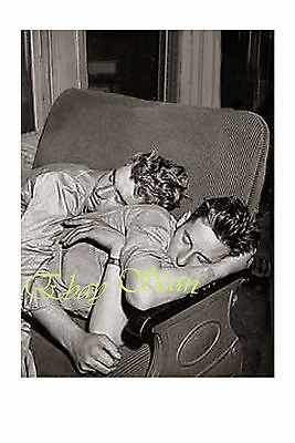VINTAGE 1940's PHOTO AFFECTIONATE WWII SOLDIERS SLEEP ON TRAIN GAY INTEREST 106
