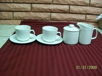 JOHNSON BROTHERS ENGLAND ATHENA CUPS/SAUCERS/CREAMER/SUGAR BOWL WITH LID USED