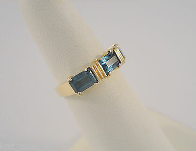 VINTAGE 14K SOLID YELLOW GOLD & BLUE TOPAZ 3 STONE BAND RING SIZE 6 SIGNED 2.6g