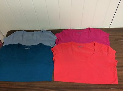 NWOT Lot of 4 Kenneth Cole Reaction Short Sleeve T-Shirts (3 Large and 1 Med)