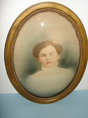 ANTIQUE VICTORIAN WOOD FRAME BUBBLE CONVEX GLASS COLORED PHOTO PICTURE WOMAN