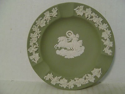 VINTAGE SAGE GREEN WEDGWOOD JASPERWARE DIANA ON CHARIOT ASHTRAY MADE IN ENGLAND