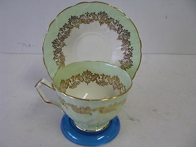 STUNNING VINTAGE FOOTED AYNSLEY CUP & SAUCER IN LIME GREEN WITH GOLD DECORATIONS