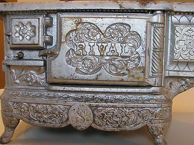 RIVAL CAST IRON WOOD STOVE, SALESMAN SAMPLE, RARE BRAND, TOY WOOD BURNING OVEN