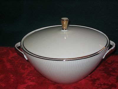 Winterling Markleuther Bavaria covered casserole dish-MINT
