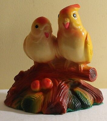 VINTAGE CHALKWARE HAND PAINTED LOVEBIRDS SITTING ON A BRANCH