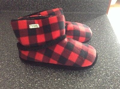 Victoria Secret PINK Plaid Fur Fuzzy Bootie Slippers Red Black Size M 7-8