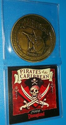 Disneyland 2006 Pirates Of The Caribbean attraction Disney Dining Coin GWP skull