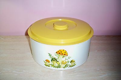 Rare Merry Mushroom Huge Round Metal Storage Cake Pastry Tin with Plastic lid