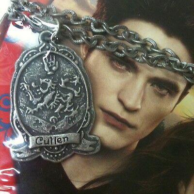 The Twilight Saga Breaking Dawn 2~ Valentine Collector Tin w/ Necklace~ Sealed!!