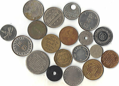 LOT OF 19 WORLD TOKENS