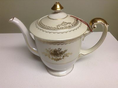 MEITO VINTAGE CHINA HAND PAINTED TEA POT WHITE WITH GOLD TRIM-JAPAN