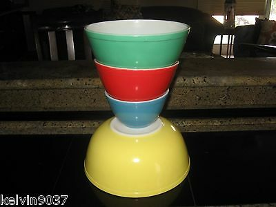 PYREX SET OF 4 PRIMARY COLOR PATTERN  MIXING BOWLS - STACKING - MATCHING #'S