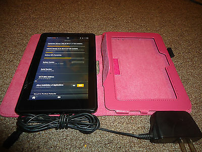 Amazon Kindle Fire 2011 8GB, Wi-Fi, 7in Fully functional w/ case see pictures