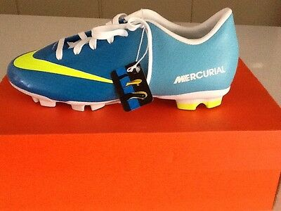 Youth nike football boots mercurial nib size 3 Blue