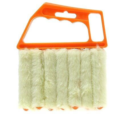 New Hand Held Blind Blade Cleaner Window Conditioner Duster Clean Brush Cleaner