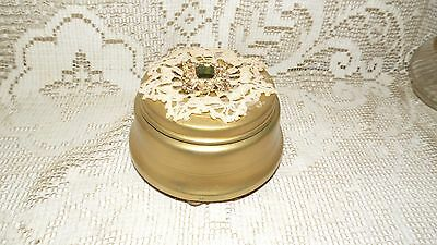 ANTIQUE POWDER CONTAINER/MUSIC BOX GOLD METAL W/PINK POWDER PUFF