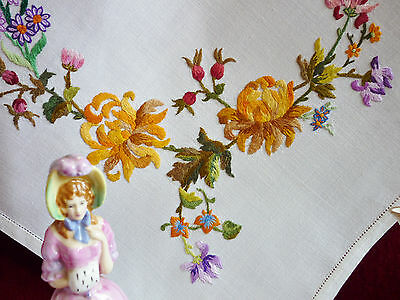 Gorgeous Vintage Hand Embroidered Linen Tablecloth GC.