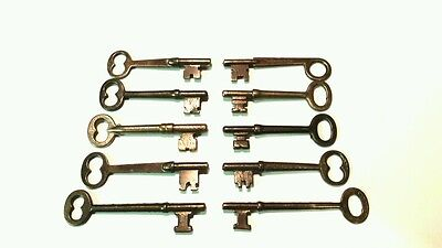 old skeleton keys 10 keys door keys lock keys antique keys vintage closet key