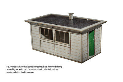 2 x LASER CUT LNER SECTIONAL CONCRETE HUTS FOR OO SCALE 4mm MODEL RAILWAY LX032