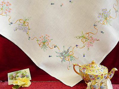 Lovely Vintage Hand Embroidered Linen Tablecloth GC.