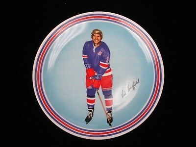 1972-73 Vic Hadfield NY Rangers Goebel Ceramic Plate - NM