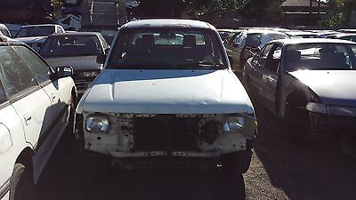 WRECKING Toyota Hilux Duel Cab Ute 99