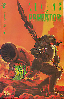 ALIENS VS PREDATOR 1...VF/NM...1990...Randy Stradley,Phil Norwood...Bargain!