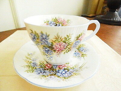Royal Albert BLOSSOM TIME WISTERIA Cup & Saucer Floral Coffee Tea ENGLAND  NICE!