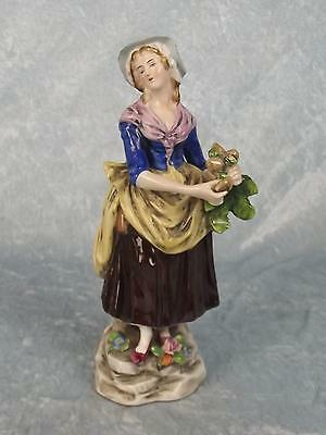 c1920 Sitzendorf Porcelain Figurine Of A Lady Turnip Seller