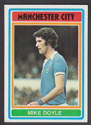 TOPPS 1977 FOOTBALLERS #130-MANCHESTER CITY-MIKE DOYLE