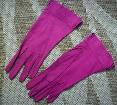 Vintage PINK suede gloves with fringed edge