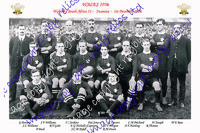 WALES 1906 (v South Africa) INTERNATIONAL RUGBY TEAM PHOTOGRAPH & POSTCARD