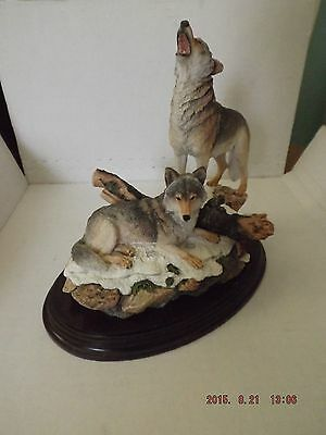 Country Artists - Wolf Pair Wolf Wolves  MINT