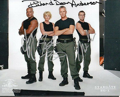 *NOW ON SALE*  STARGATE Cast-signed photograph (63376)
