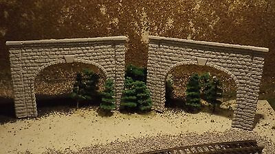 N-Scale  2 Double Track Stone Portal's Train Detail Accessories