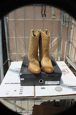 27-10 New Kenneth Cole New York womens 7.5 medium boots made in Spain was 250