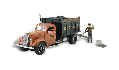 Woodland Scenics AS5345 N Lumpy's Coal Company Train Figure / Vehicle AutoScenes