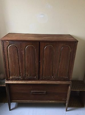 Basset Furniture Industries Dresser