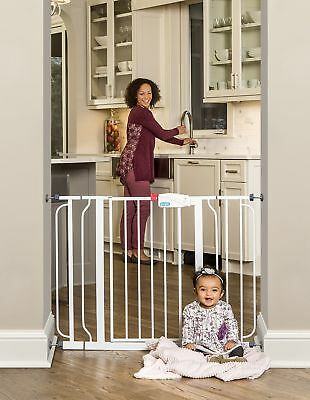 """Regalo Easy Step Walk Thru Gate White Fits Spaces between 29"""" and 39"""" Wide"""