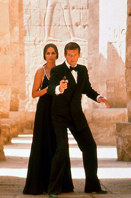 Barbara Bach Roger Moore The Spy Who Loved Me 11x17 Mini Poster Egyptian