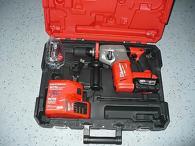 Milwaukee 2712-22  Sds Rotary Hammer 18 Volt Red Lithium Xc 4.0 Battery ( New )