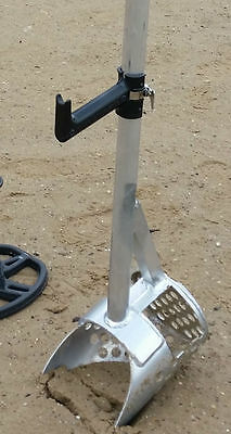 Pull handle for sand scoop. Pole and Sand scoop not included!!! Pistol Grip Only