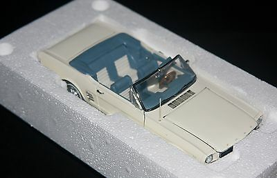 1966 Ford Mustang Convertible 1:24 By Danbury Mint (Mint)
